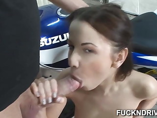 Girl that loves anal realize a dick in her tight ass hole
