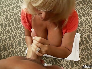 Mature Chubby Tit Swinger Milf Squirts