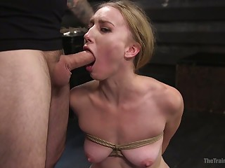 Submissive sweaty whore with smeared makeup Riley Reyes is mouthfucked