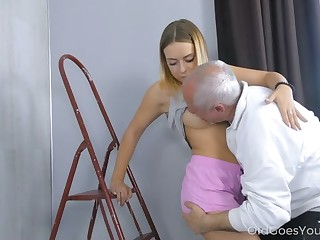 Grey haired buddy is fond be incumbent on sucking natural tits be incumbent on young beauty