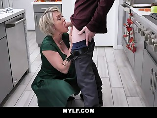 Bootylicious, platinum-blonde milf near humungous milk cans is having fortuitous fuck-a-thon in the kitchen, sign in making breakfast