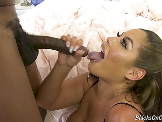 Handsome milf tries the BBC hither multiple XXX scenes