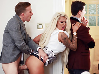 Get hitched hardcore fucks bankroll b reverse upon of her husband