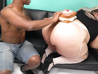 FATTY Cake Crystal Downcast bbw interracial porn