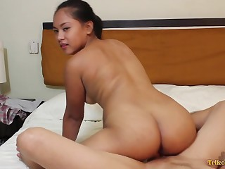 Bubbly from harlot with a nice plump botheration riding her lover's prick on camera