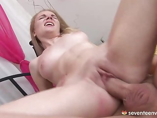 Shaved Pussy Gives Blowjobs Sweet Tender Dad's Friend